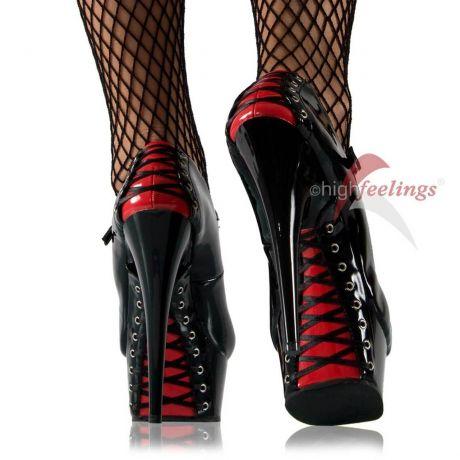 Karneval - Zeit für High Heels, auch für Männer