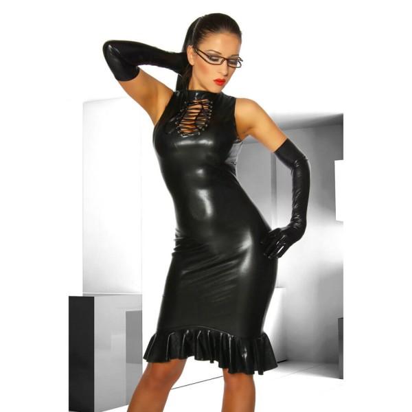 Schwarzes Kleid im Wetlook