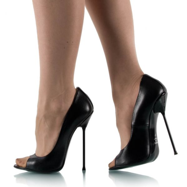 Extrem hohe Pumps