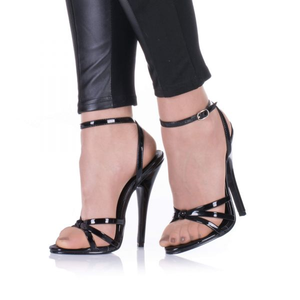 Hohe Sandaletten in Schwarz