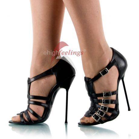Sexy Füße in hohen Schuhen - 7 Pflegetipps