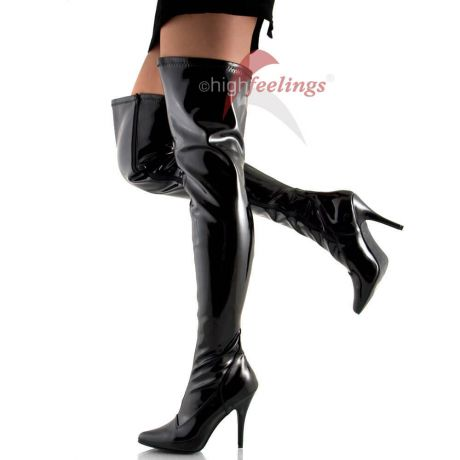 Schwarze Overknee Stiefel aus Stretch-Lack