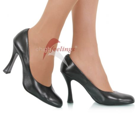 Unterschiedliche Absatzformen bei hohen Schuhen: Latino-Absatz