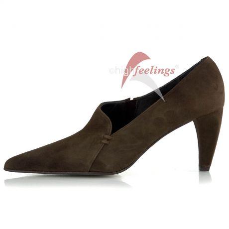 Unterschiedliche Absatzformen bei hohen Schuhen: Cone-Absatz